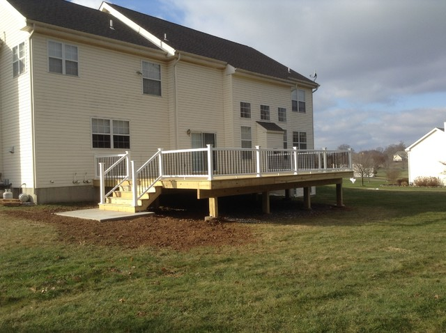 Large Select Treated Deck w/ TimberTech Rail w/ black aluminum Balusters contemporary-deck