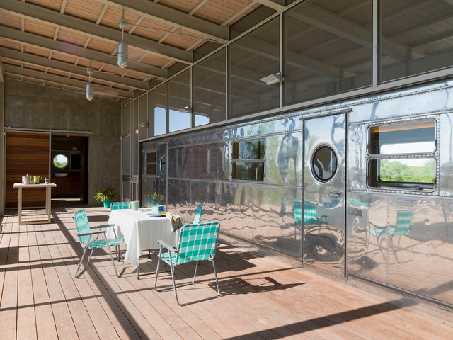 trailer home design. Minimalist porch idea in Austin with decking Trailer Home  Houzz