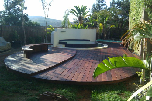 Curvy Ground level Deck Idea