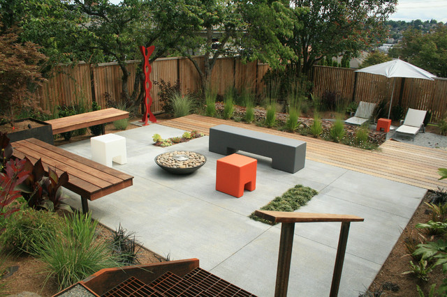 Magnolia residence industrial deck other metro by for Casas minimalistas con jardin