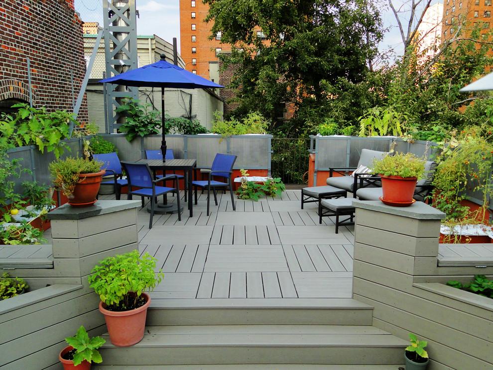 Trendy rooftop rooftop deck photo in New York