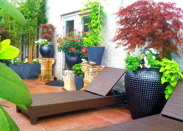 Manhattan Terrace Deck Roof Garden Pavers Chaise Lounge