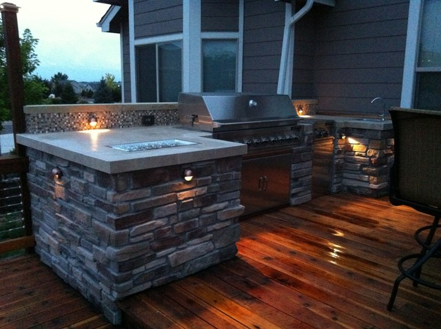 Martinez Redwood Deck with Outdoor Kitchen - Loveland, CO modern-deck