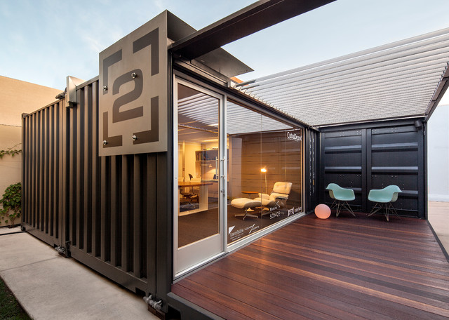 Me ou shipping container office porch view industrial for Maison container gard