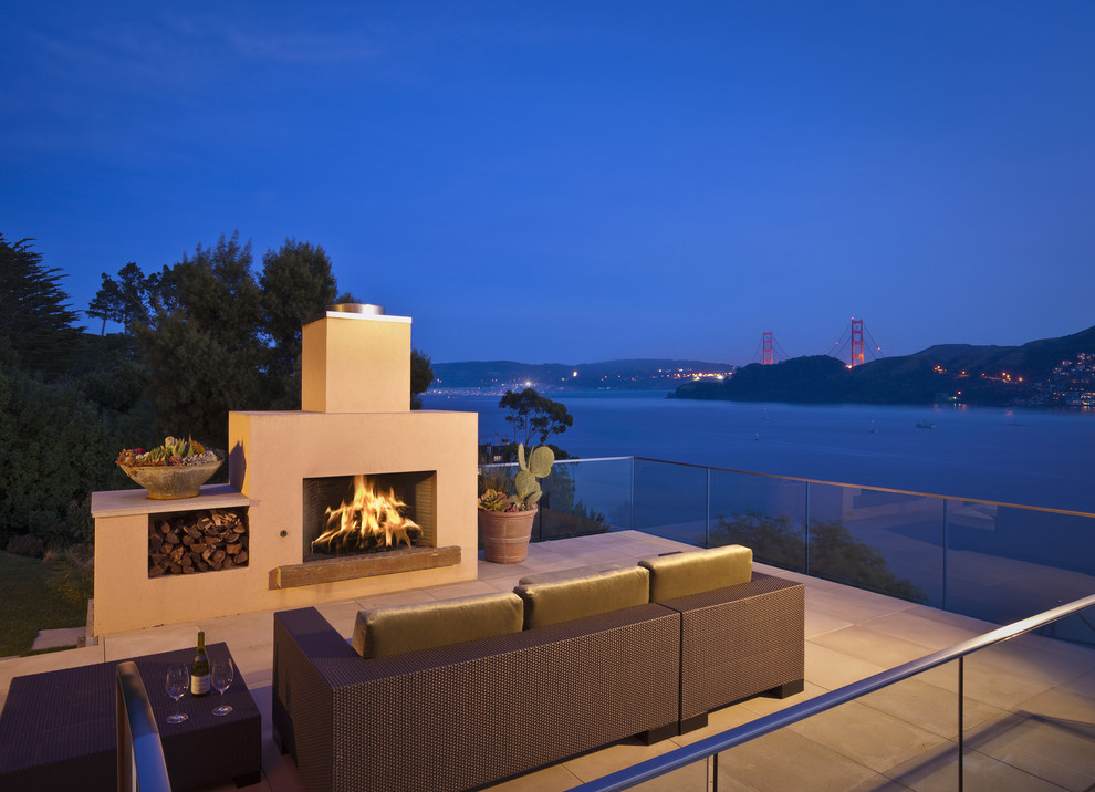 Trendy deck photo in San Francisco with a fire pit