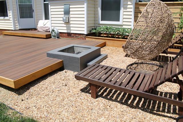 Attirant Modern Platform Deck And Outdoor Space