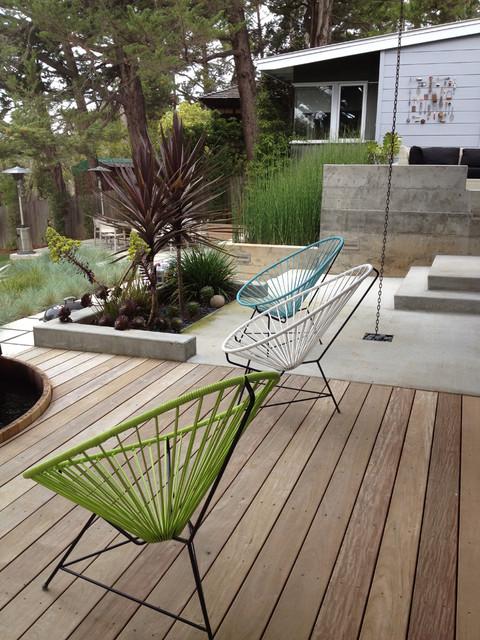 Modern rear yard modern-landscape