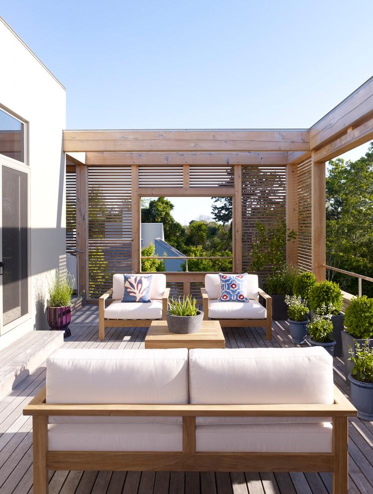 Deck container garden - contemporary backyard deck container garden idea in New York with no cover