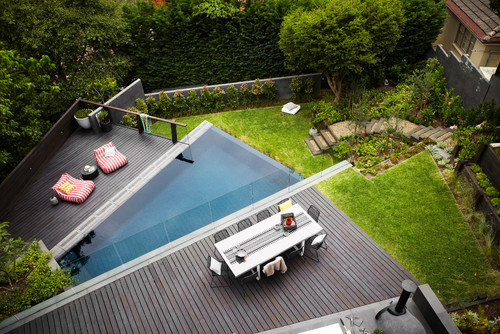 Harrison's-Landscaping-contemporary-deck