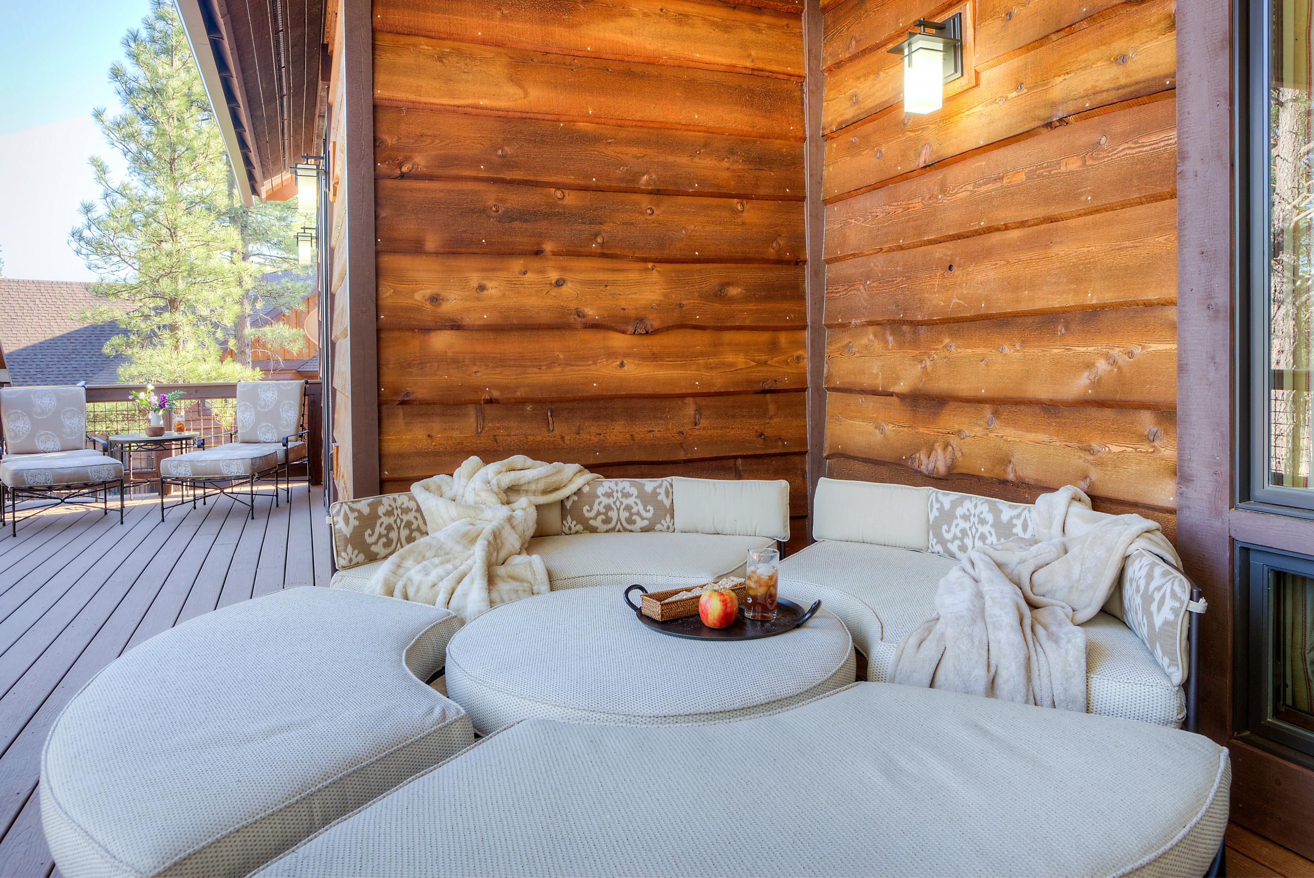 Mountain Living - Back Deck