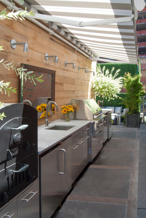 My Houzz: A Basketball Court, a Rooftop Kitchen and More in Manhattan relaxing patio