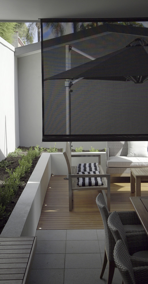 How to Customize Your Outdoor Space with Alfresco Blinds