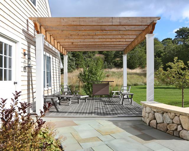 New cape cod home casa de campo terraza y balc n - Leroy merlin muebles de jardin y terraza saint etienne ...