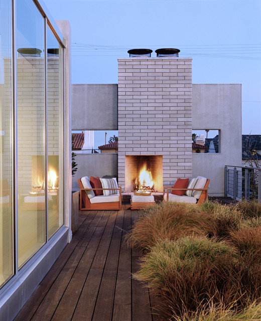 Beach House Decks: Newport Beach Residence