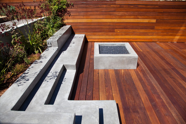 Example Of A Large Minimalist Backyard Deck Design In San Francisco With Fire Pit