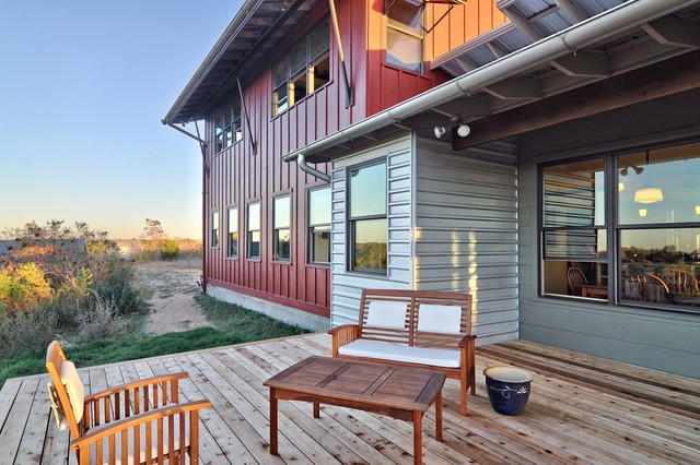 North Ridge Retreat rustic-porch