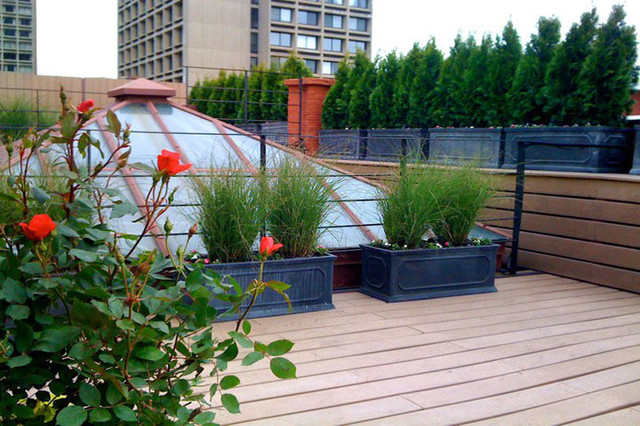 Nyc roof garden terrace deck composite fence privacy for Decking terrace garden