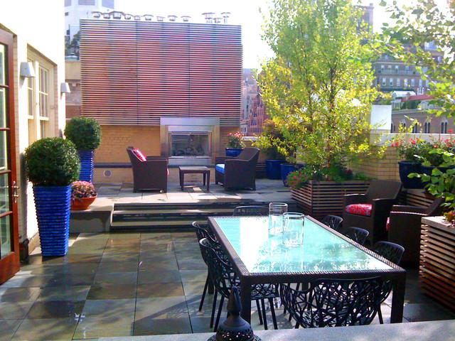 Nyc terrace design roof garden bluestone paver patio for Decking terrace garden