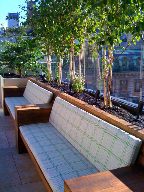 NYC Townhouse Garden: Roof, Terrace, Stone Patio, Bench