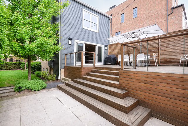 Old Town Chicago Renovated Brick Bungalow With Yard Deck Modern