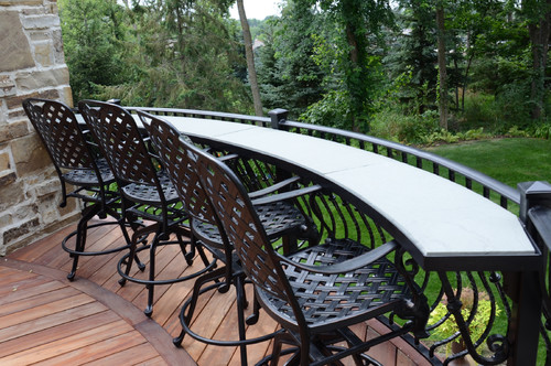 Can you please tell me who manufactures the railing and  : traditional deck from www.houzz.com size 500 x 332 jpeg 93kB