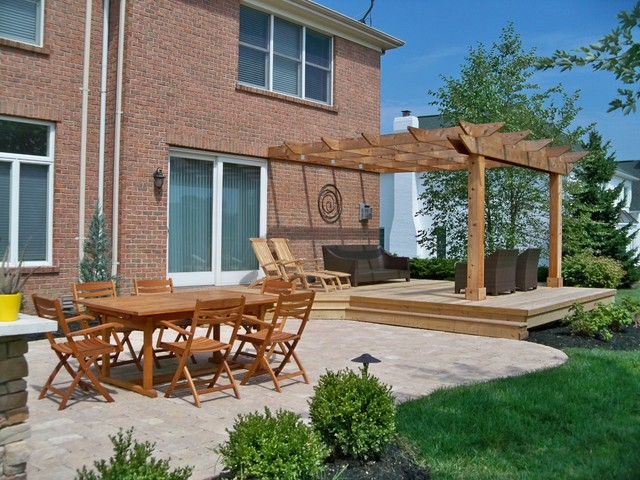 Outdoor living traditional deck cincinnati by for Tradition outdoor living
