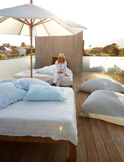 Pamela Anderson S Magincal Modern Malibu Home Shabby