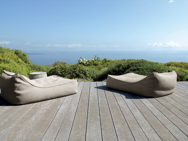 paola lenti showroom selection collection rustic deck. Black Bedroom Furniture Sets. Home Design Ideas