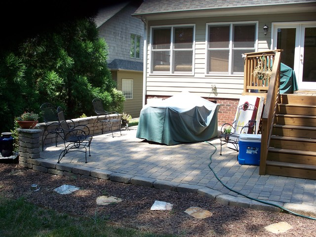 Kolby Construction Charlotte: Paver Patio With Seating Wall