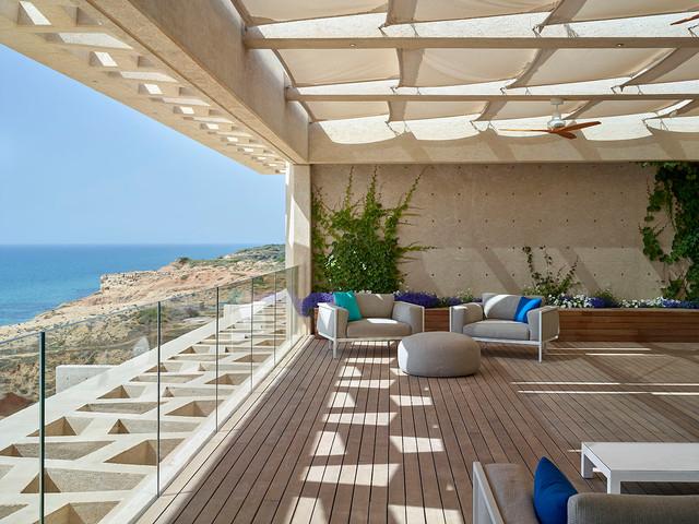 Penthouse apartment in arsuf israel minimalistisch terrasse