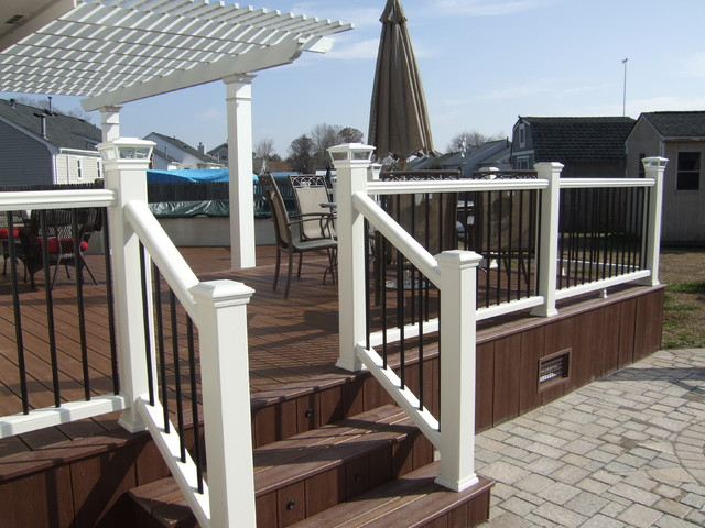 Pergola trex deck custom railings for Composite decking and railing