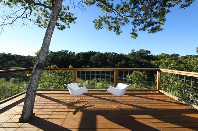 Inspiration for a modern deck remodel in Austin