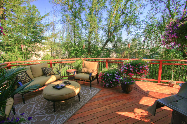 Portland Landscaping Outdoor Living Traditional Deck