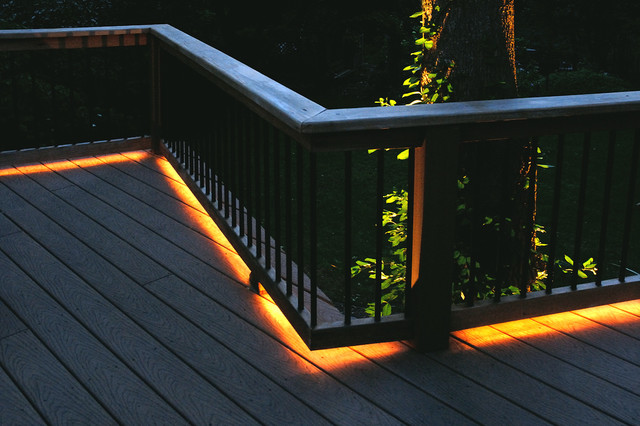Example Of A Classic Deck Design In New York