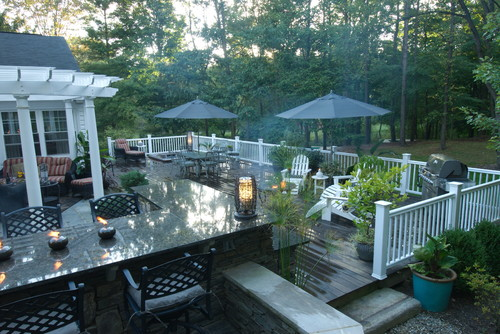 Traditional Deck by Chagrin Falls Landscape Contractors THE OHIO VALLEY GROUP, INC.