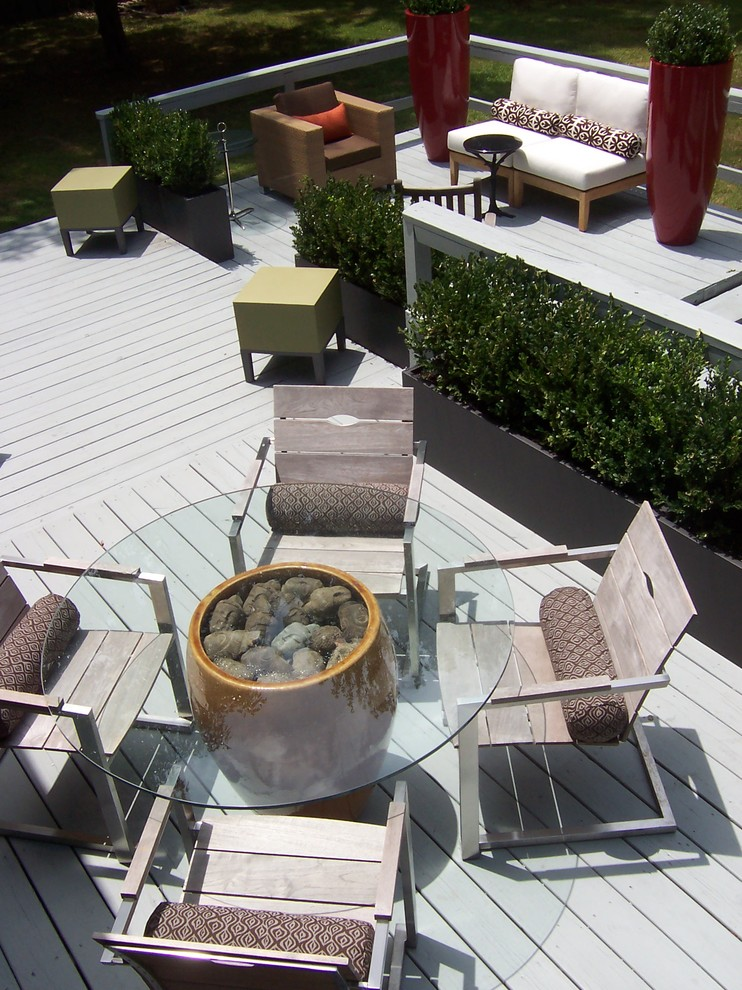 Deck - contemporary deck idea in Little Rock with no cover