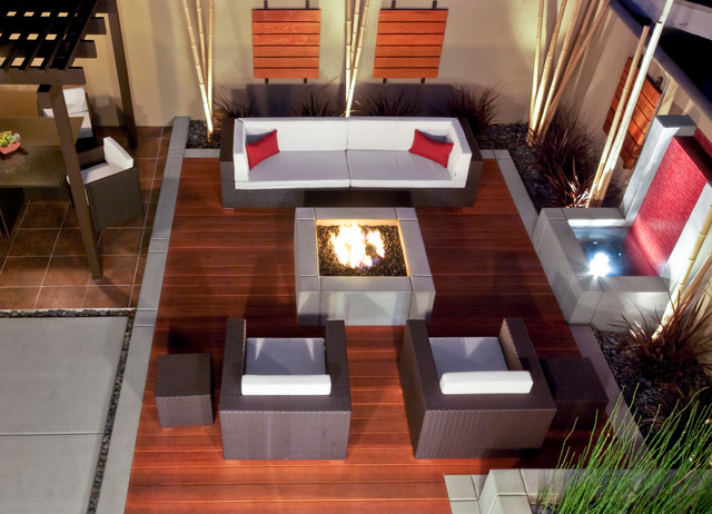 Pt. Loma Outdoor Lounge contemporary-deck