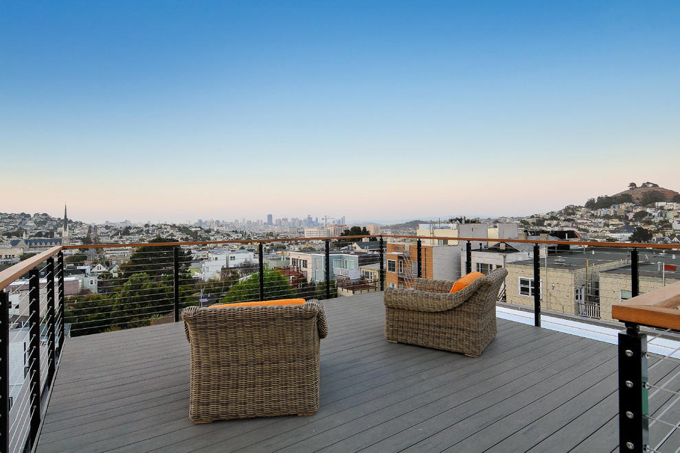 Example of a large beach style rooftop rooftop deck design in San Francisco with no cover