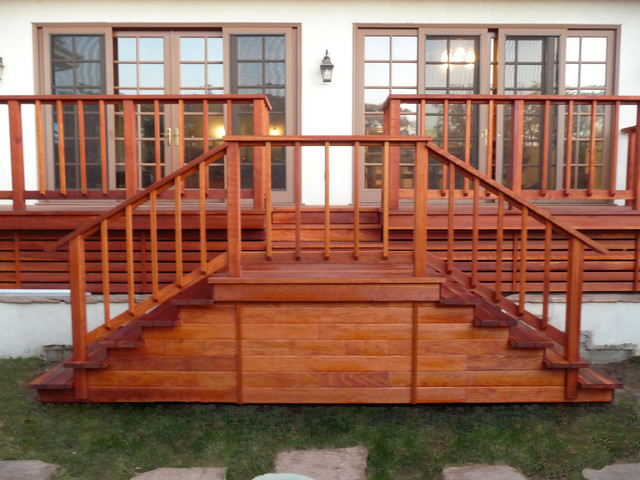 Redwood Deck Landing With Steps And Railings Pacific