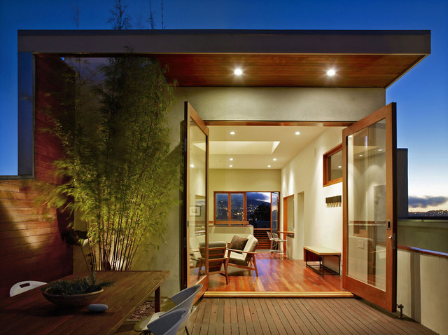 modern patio by Schwartz and Architecture