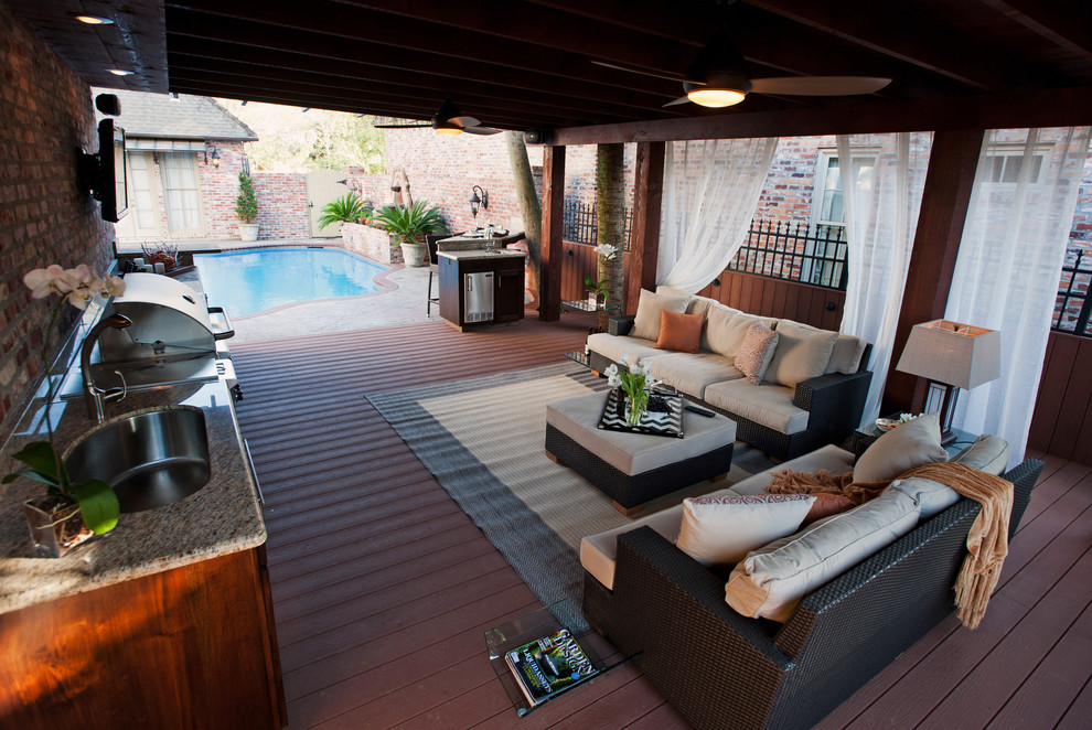 Deck - contemporary deck idea in New Orleans