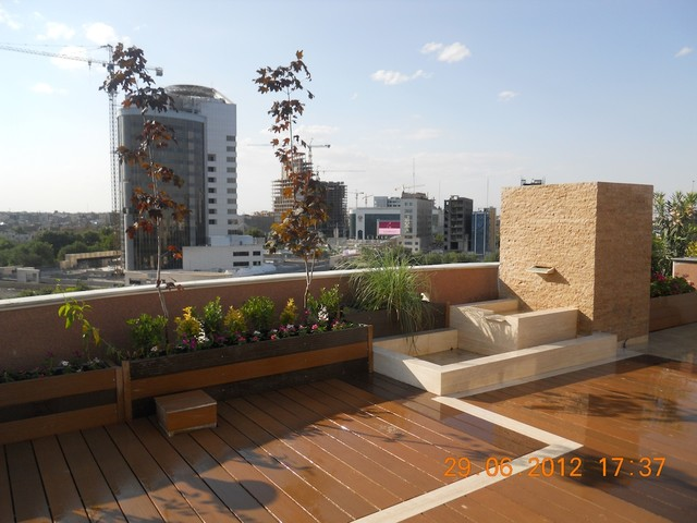 Roof BBQ Space With Pergola
