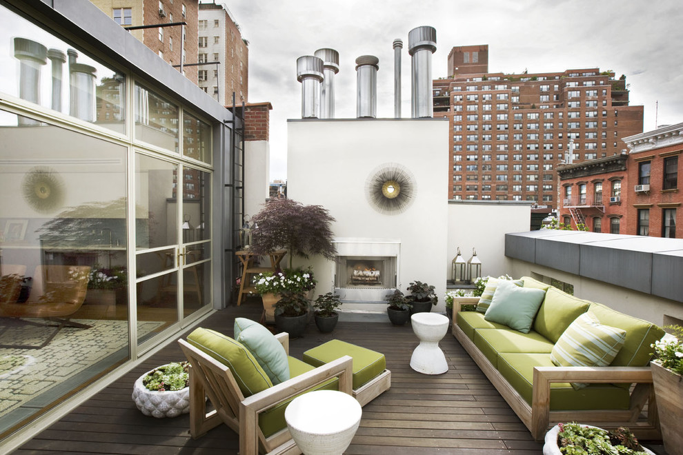 Inspiration for a contemporary rooftop deck container garden remodel in New York
