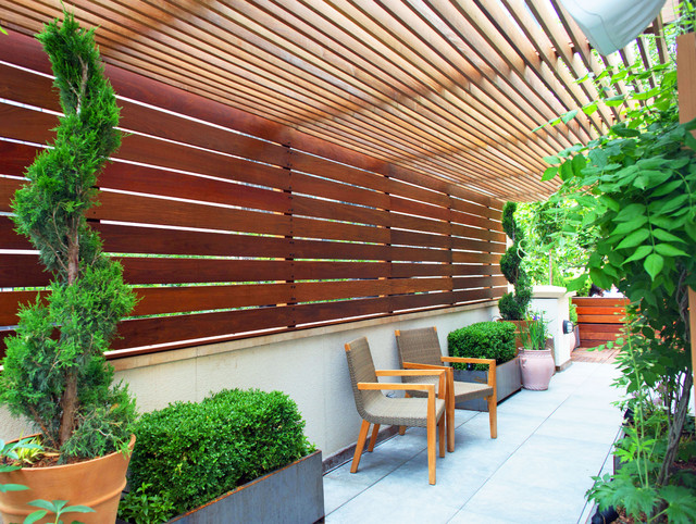 Rooftop Garden with Pergola and Fencing for Outdoor ...
