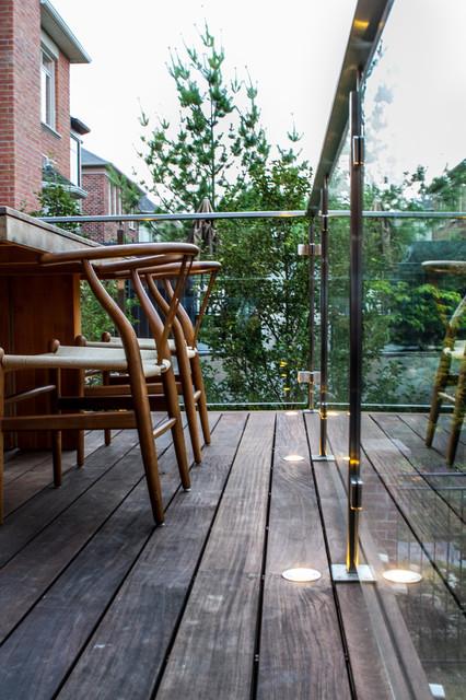 Rosedale Rearyard modern-deck