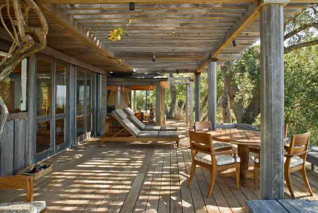 Big sur cabin rustic deck san francisco by studio for Amenagement jardin 87