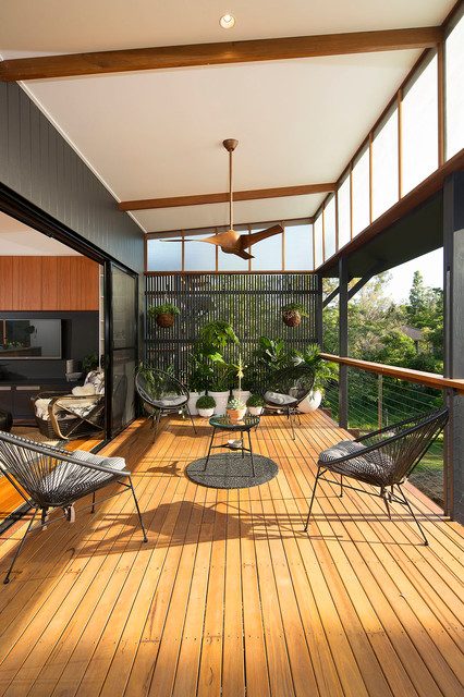 Samford Valley contemporary-deck