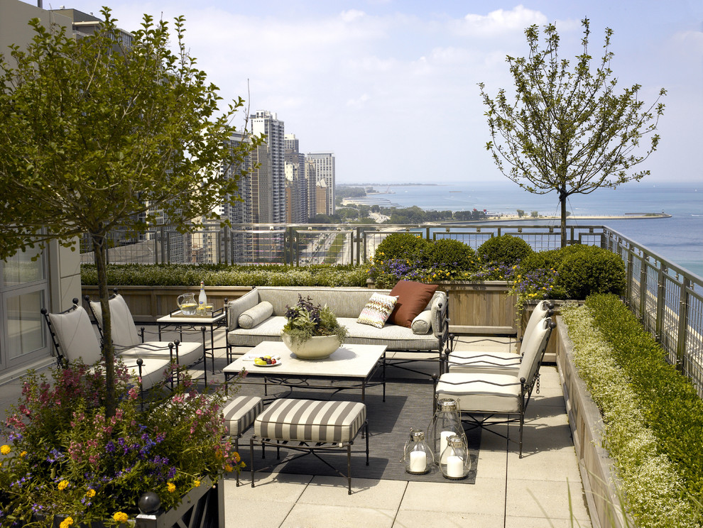 Deck - traditional rooftop rooftop deck idea in Chicago with no cover
