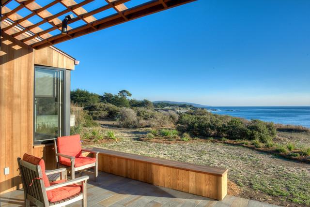 Sea Ranch Residence midcentury-deck