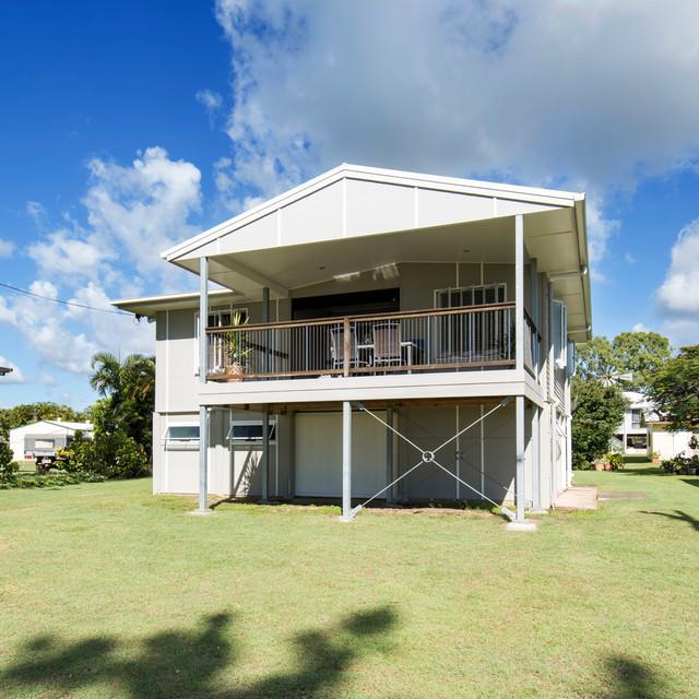 Seaforth beach house refurbishment beach style deck for Beach house plans with decks